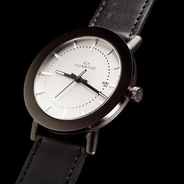 New @quantuzwatches automatic watch in 2019. 40mm stainless steel case. #swissmade #dutchdesign #automaticwatch #black #watch #watchesofinstagram #watchlugs
