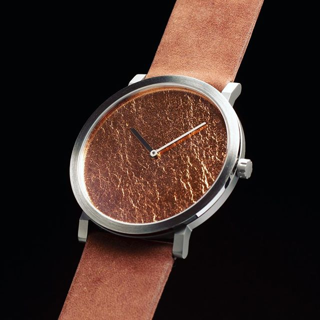 Silk. Super flat. High end Quartz. Hand applied copper dail. Pre-order in march & april with substantial discount.  For more info, check link in bio.  #quartz #watch #flatwatch #quartzmovement #rondamovement #swissmade #dutchdesign #watchesofinstagram #watches