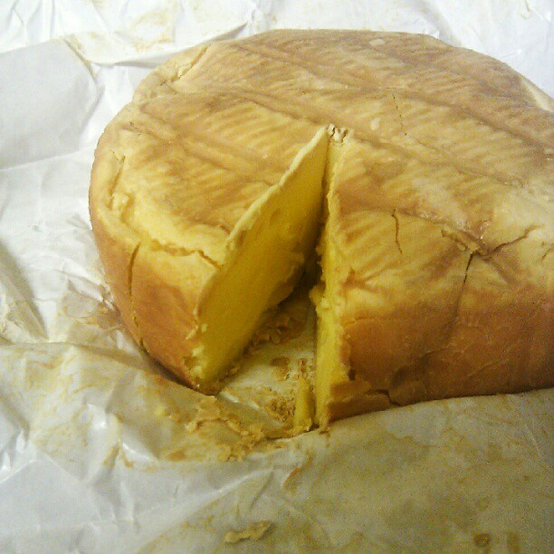 Bermondsey Spa, a ridiculously smelly cheese from @mootowncheese, washed in Kernel stout. Not for the weak