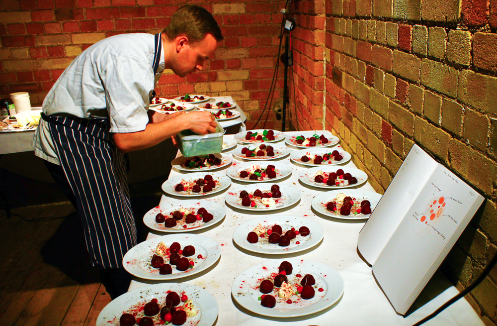 Andrew Stellitano  plating the beetroot course,  London 2013 (pic by B&S)