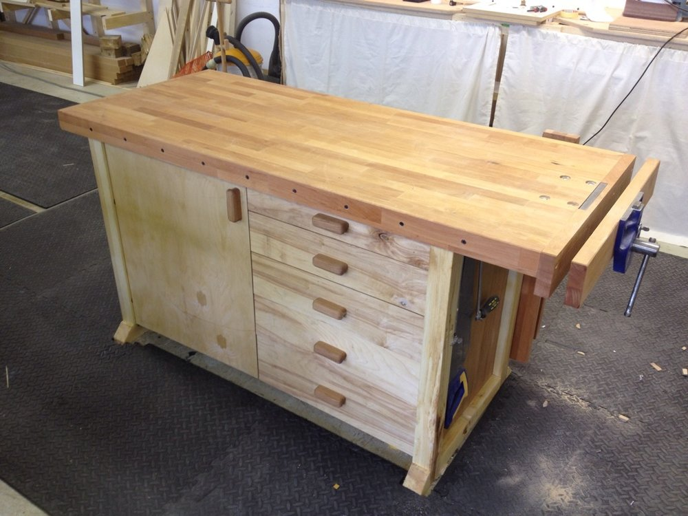 Joiners bench from all the best bits I had laying around
