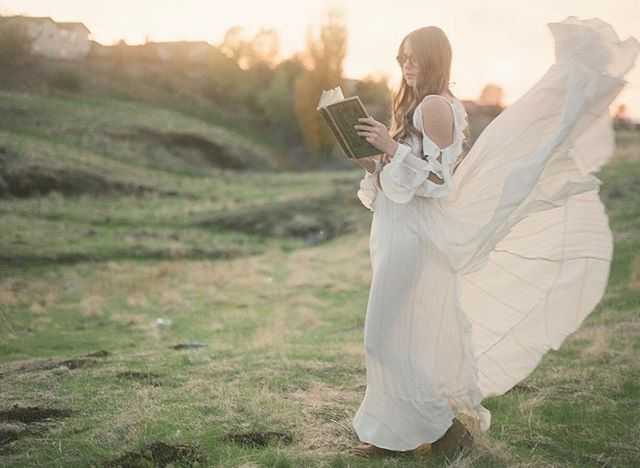 """""""I declare after all there is no enjoyment like reading! A lady's imagination is very rapid; it jumps from admiration to love, from love to matrimony in a moment"""" -Pride & Prejudice #shootfilm #fuji400h Creative Team: @oak.and.ash @dianarykun @sarahschweyerphotography"""