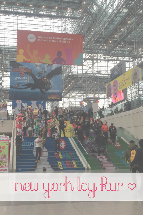 Anna Osgoodby NYC Living :: Playing at New York Toy Fair