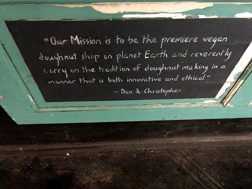 Anna Osgoodby NYC Living :: Dun-Well Doughnuts