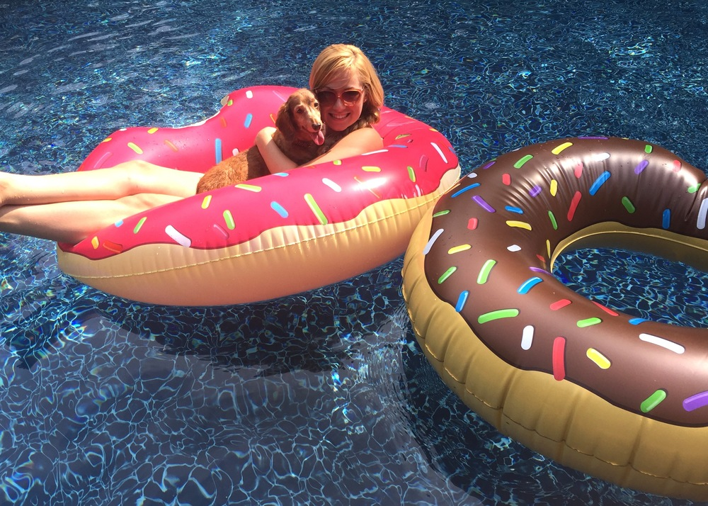 Anna Osgoodby NYC Living :: Red, White & Pool Floaties