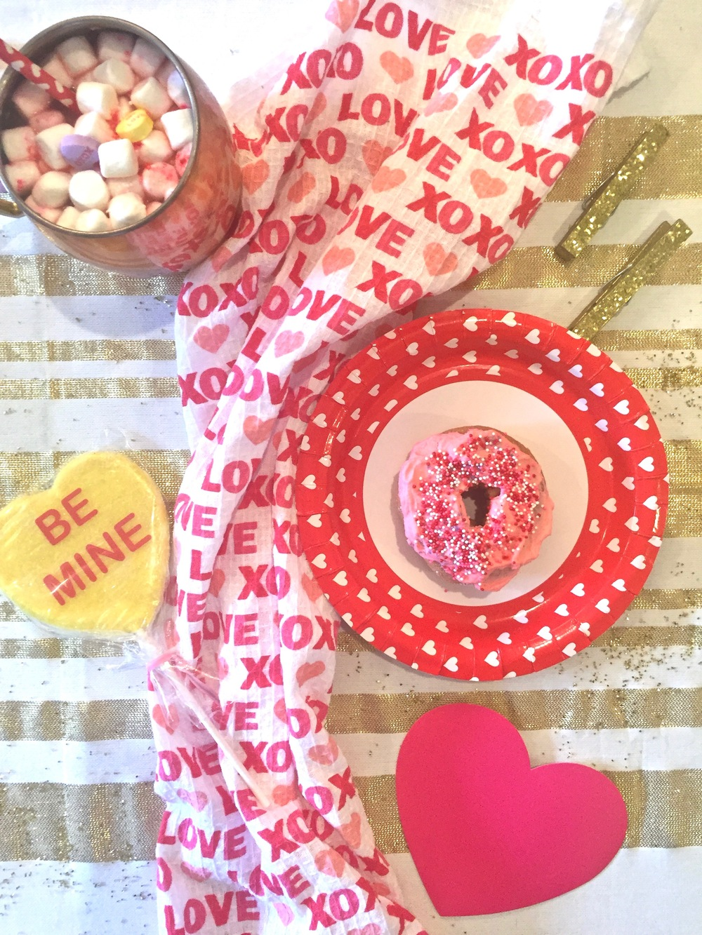 Anna Osgoodby NYC Living :: DIY Galentine's Day Party