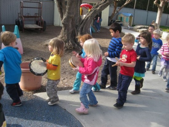 outdoor-musical-and-movement-by-preschool-children-550x412.jpg