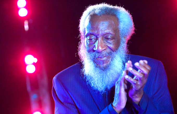 dick-gregory-onstage-nyc.png