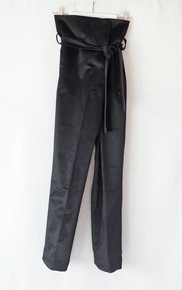 color:black  material: 90% cotton 10% elasthan, velour