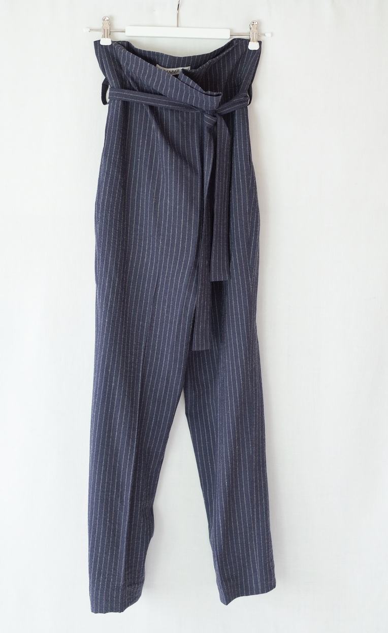 color:navy with white stripes  material:50% linen 50%wool