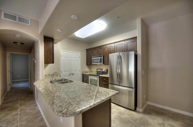 1104-kitchen.jpg