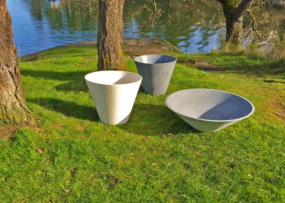 site furnishing ductal pots
