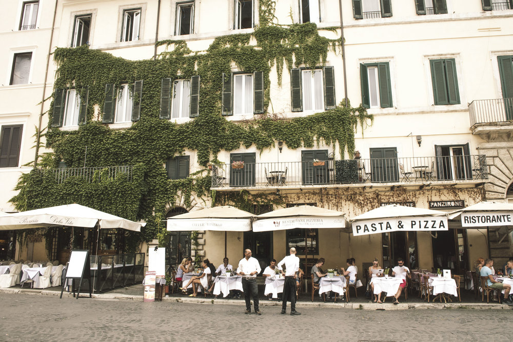 Restaurants during lunch time in Piazza Navona