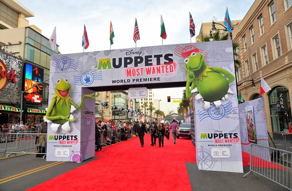 Muppets Most Wanted Premiere Structures