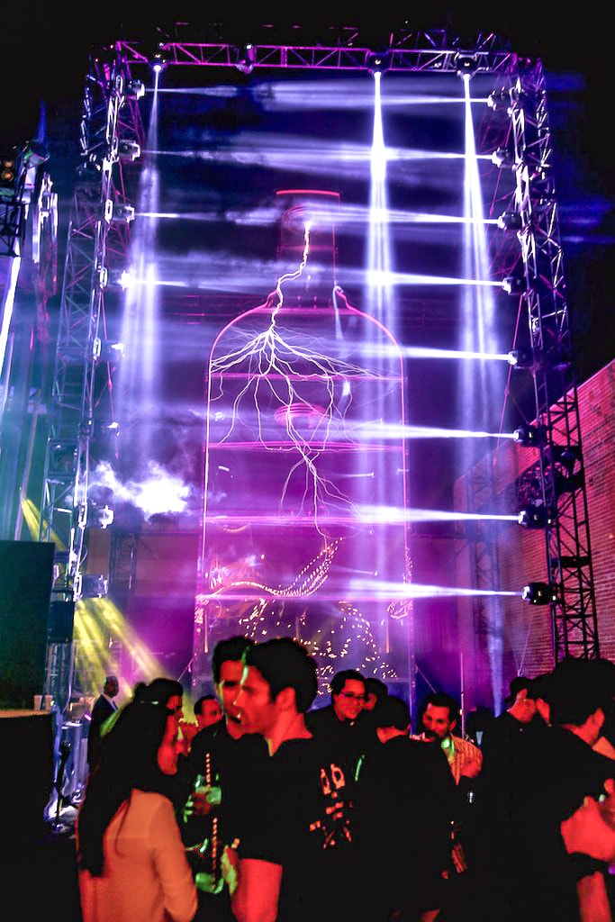 Absolut Electrik House - Band Risers Structures