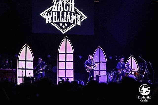 Our #Nashville fab team brought @zachwilliamsmusic tour concept to life with five custom RGB stained glass windows. Swipe for #bts of our collaboration with @44designs once again for the #onlyjesustour! ⛪️🎶 // 📸: @44designs
