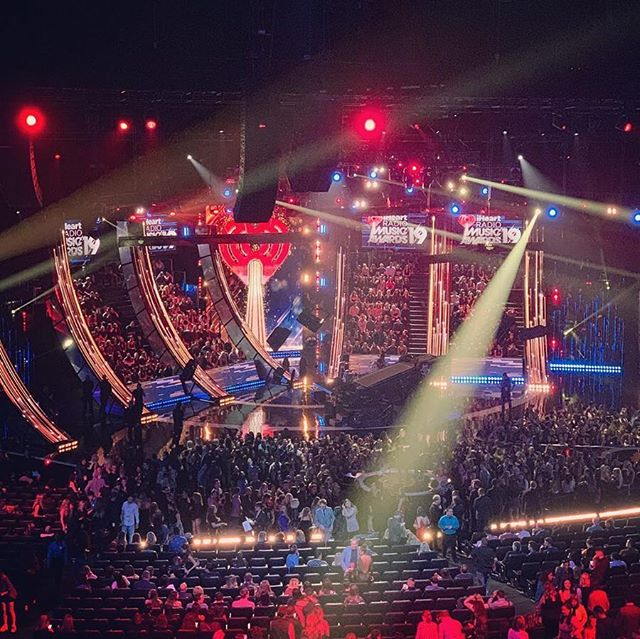 Rewinding to last month's #iheartradioawards @mstheater. We provided the thrust & onstage audience risers to celebrate this year's winners & nominees. // Custom scenic elements provided by @ges_global. // 📸  @itsmr.dr3. @iheartradio