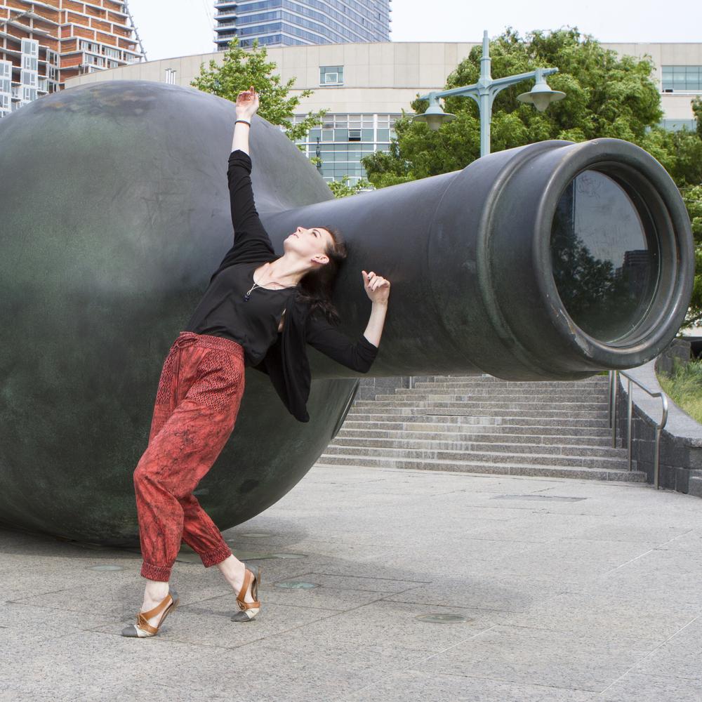 Ellen Sickenberger, Nadine Bomer Dance