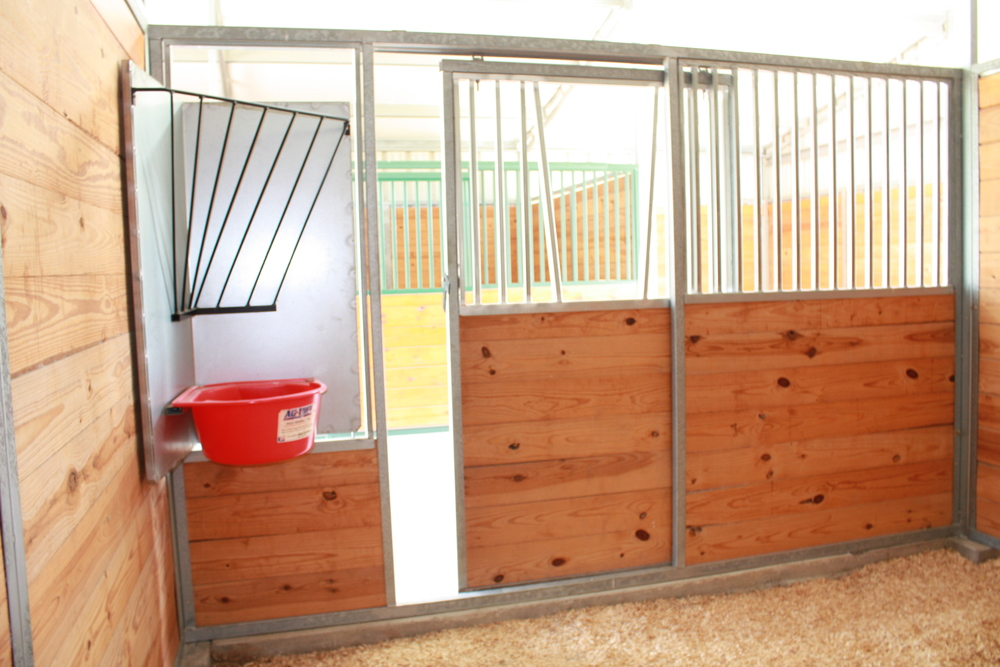 Barn Stall featuring Swing-Out Feeder & Yoke Grill