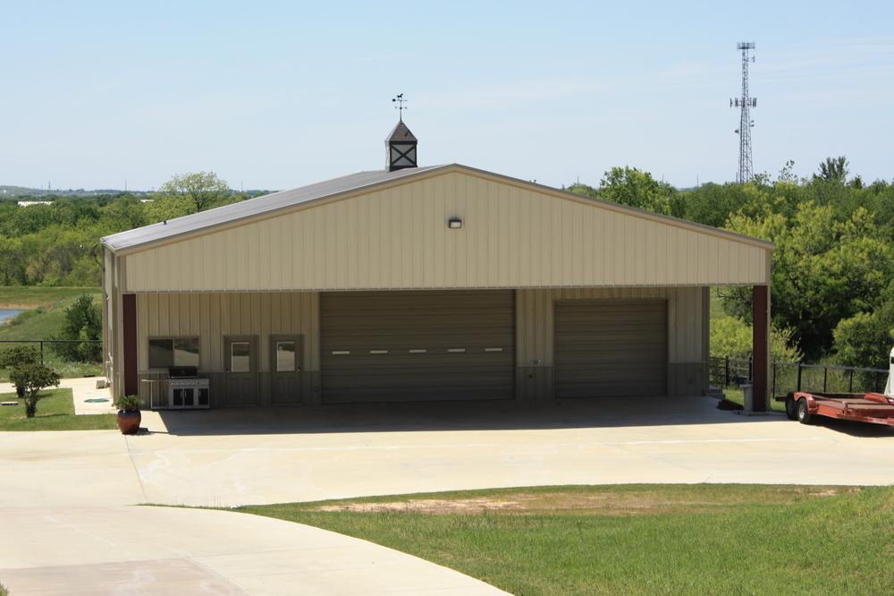 Randy's Hangar - Exterior