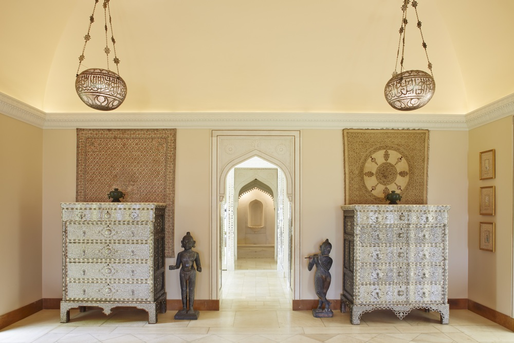 Mughal Suite bedroom after preservation work in 2014. © 2014, Linny Morris, courtesy of the Doris Duke Foundation for Islamic Art, Honolulu, Hawai'i.