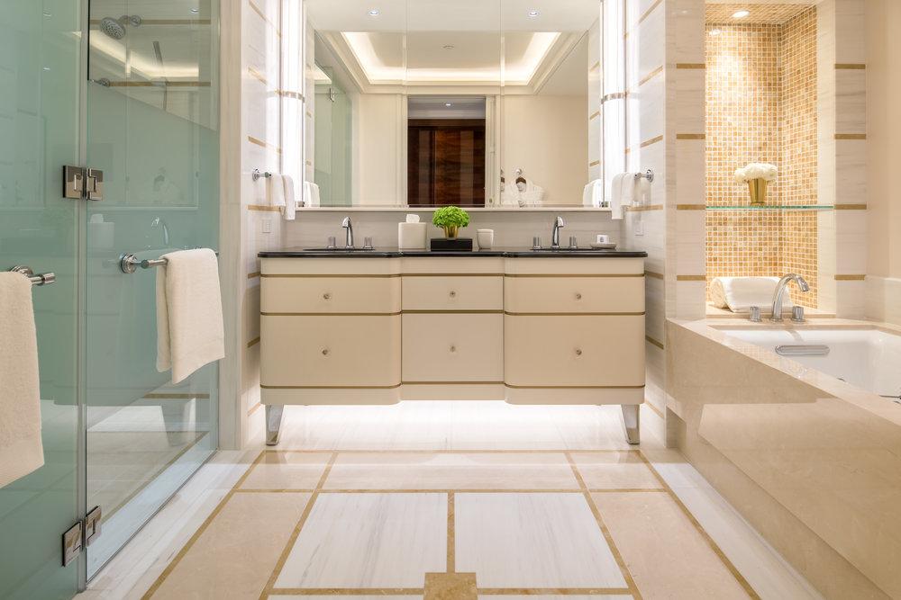 Waldorf Astoria Beverly Hills Standard Bath