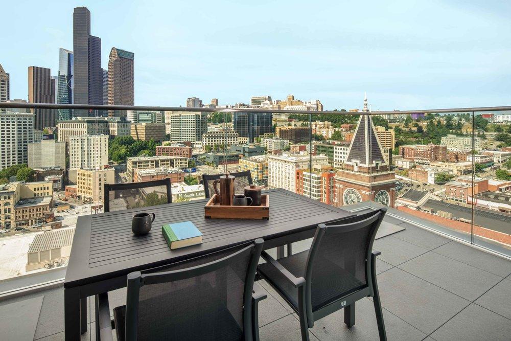 SEAPS_Penthouse_NKKTEI_City_View_Balcony.jpg