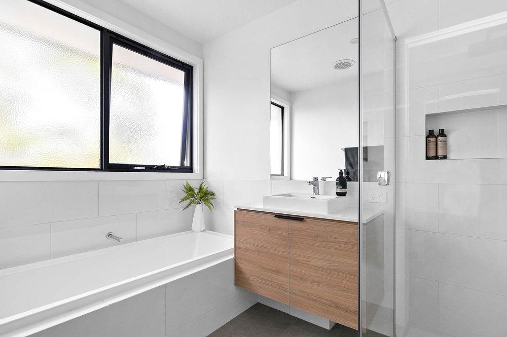 4-Bathroom.jpg