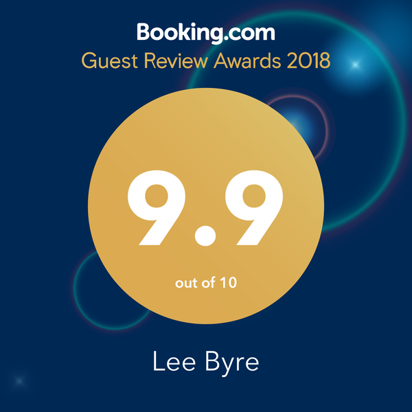 booking award 2018.png