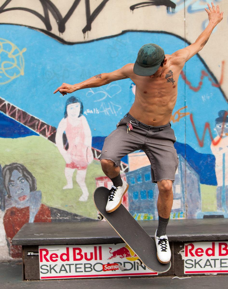 skateboardingboy2_2689.jpg