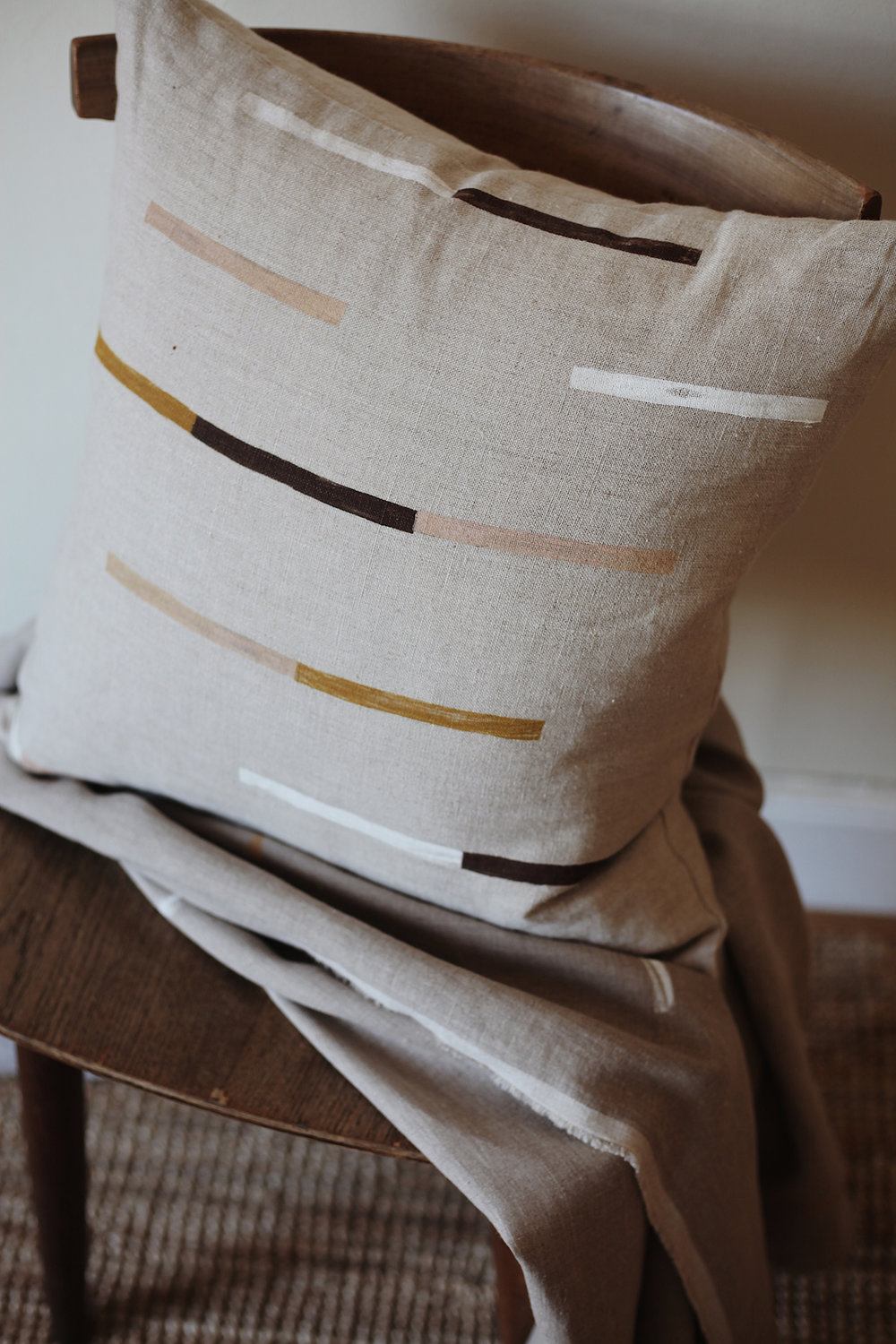 Ren-Marfa-Linen-Cushion-02.jpg