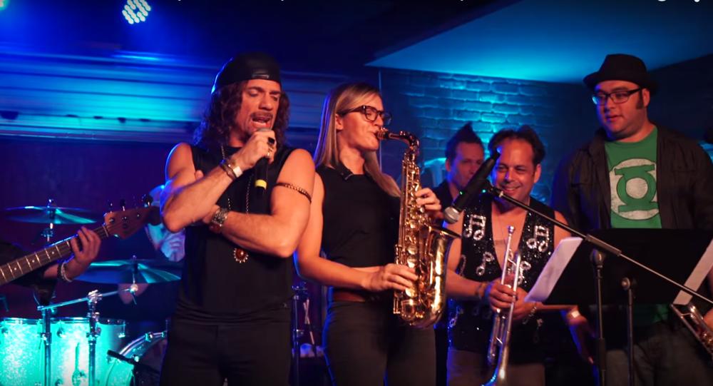 Joe Retta Mandy Faddis saxophone Lucky Strike Live