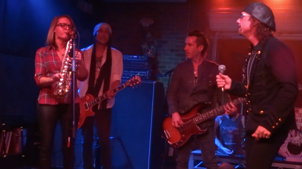 Saxophone in Los Angeles - Mandy Faddis with Joe Retta on Stevie Wonder Ultimate Jam Night