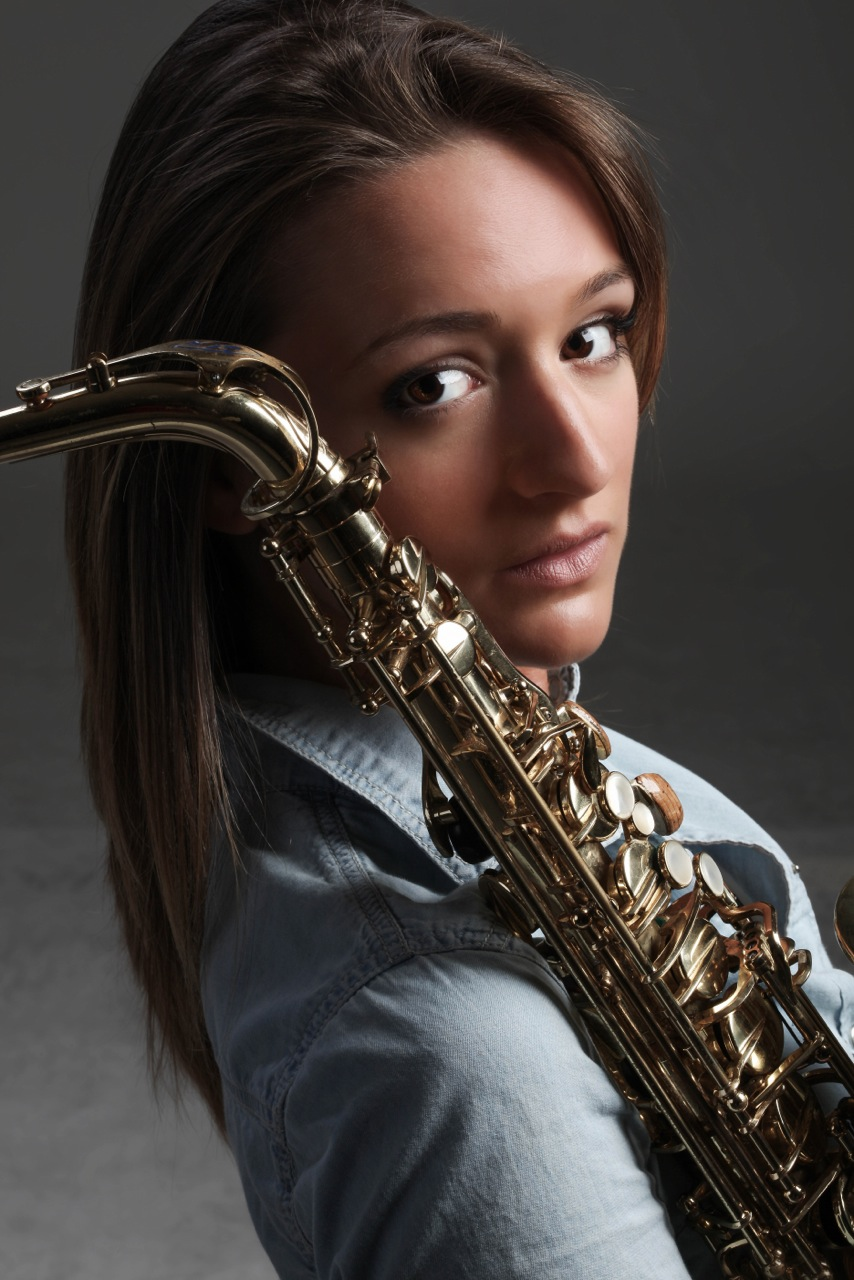 Jazz sax player Mandy Faddis with Selmer Super Action 80 alto