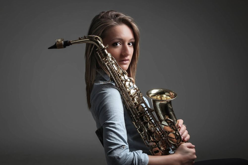 Female jazz saxophonist Mandy Faddis in San Francisco - girl sax players