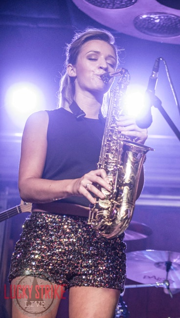 Sax girl - female saxophone player Mandy Faddis live in Los Angeles