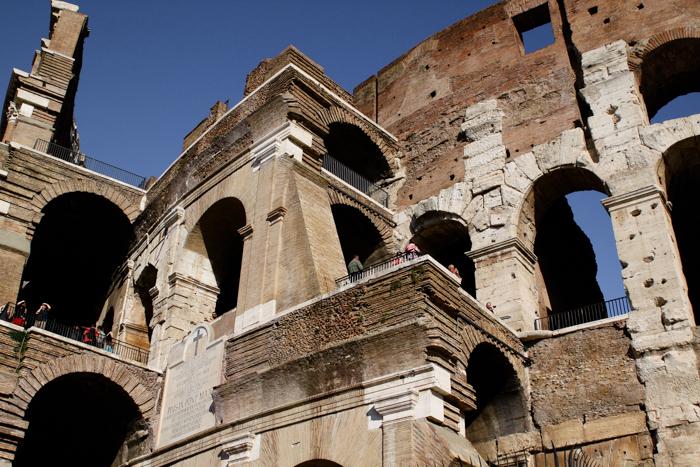 ROMAN COLOSSEUM ROME RUINS