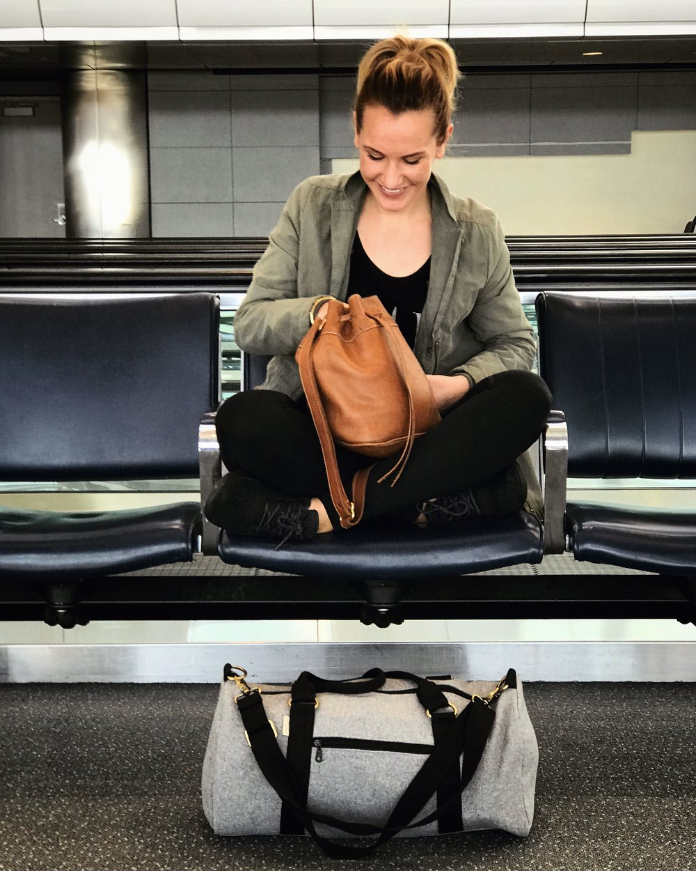 Finally, I found the perfect outfit to travel in. We had a long day of flying, but I was so comfortable wearing my  Girlfriend Collective leggings ,  Allbirds shoes ,  Krochet Kids tee  and secondhand jacket I've had for a while. My  Sseko purse  is always a go-to and all my outfits for the week fit perfectly in this duffle from  Meridian Lee .