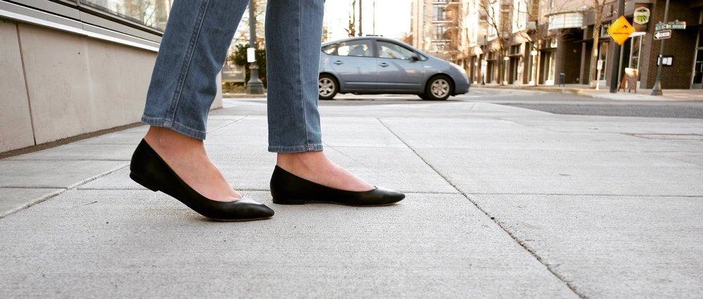Nisolo Flats