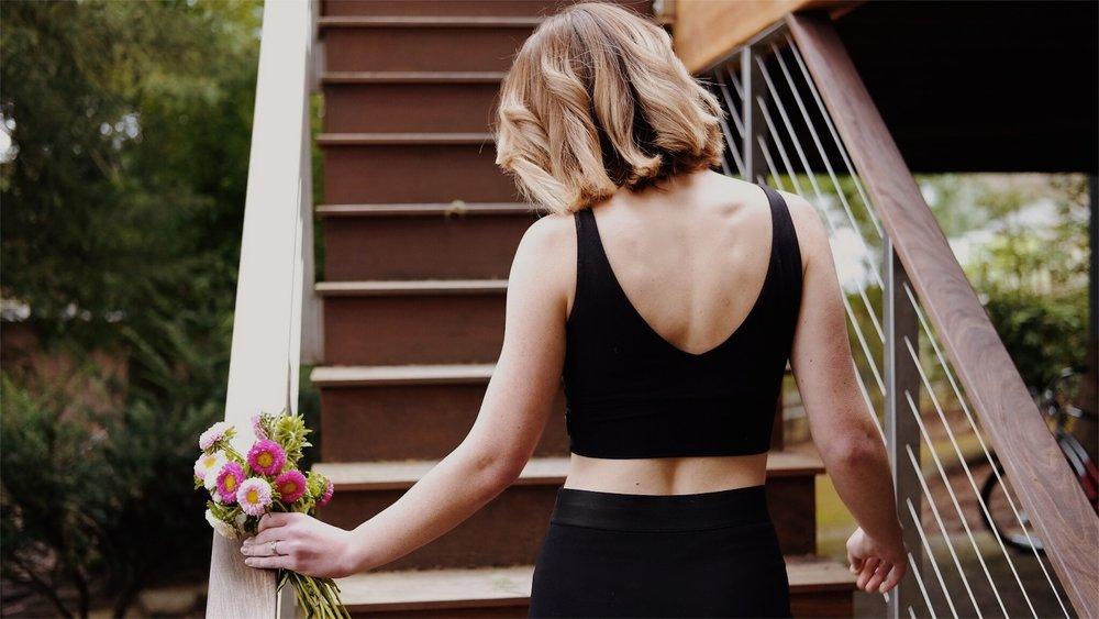 black crop top outfit