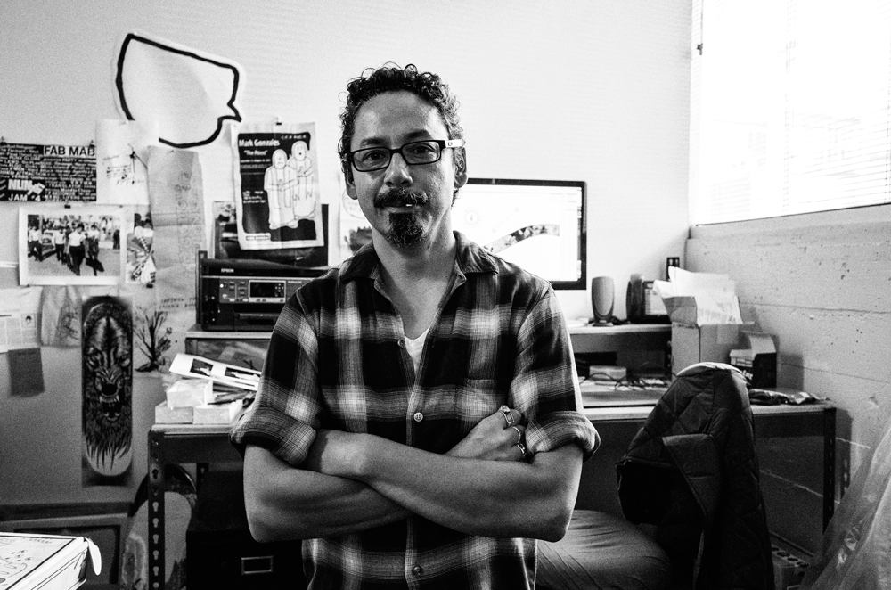 I had the chance to meet Tommy Guerrero and to shoot a quick portrait. Low key I was hyped.
