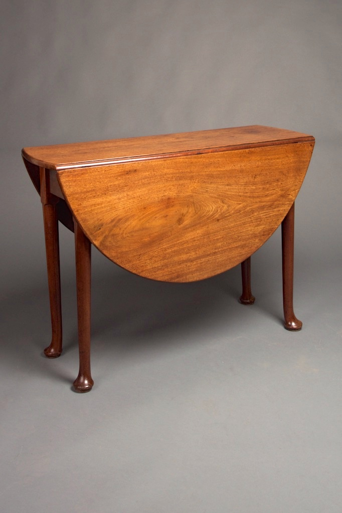 A George II Walnut Gateleg Table