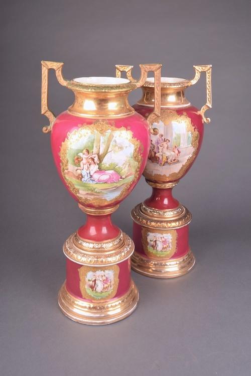A Large Pair Of Victorian Worcester Porcelain Vasesantique Cabinets