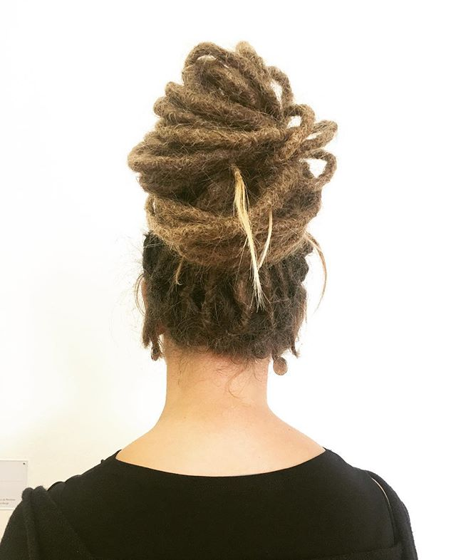 #Paris #pompidu #hair #capelli #rastas #dreadlocks #dreads #rasta #coolhair #美容室#美容院 #longhair #style  #HERHAIRTRAVEL