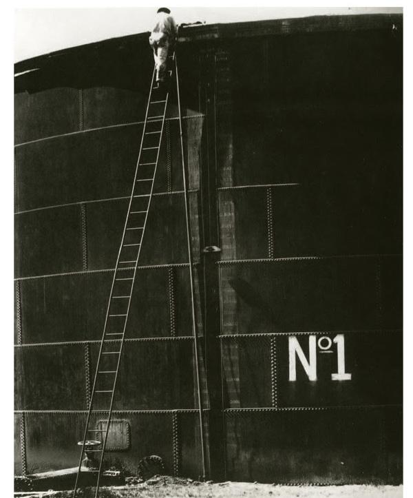 Tina Modotti, Tank No. 1 1927 Courtesy of Loewe Foundation