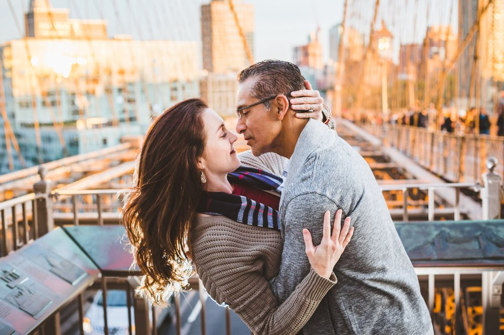 Tiffany&JoseBrooklynBridgeCouplesSession (9).jpg