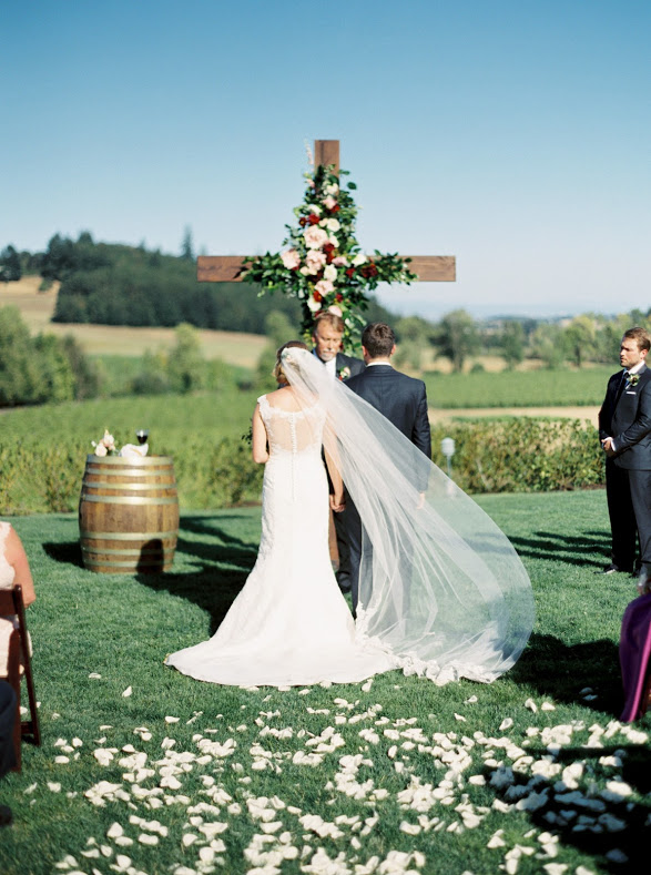 Portland_wedding_planner_Zenith_vineyard_02.jpg