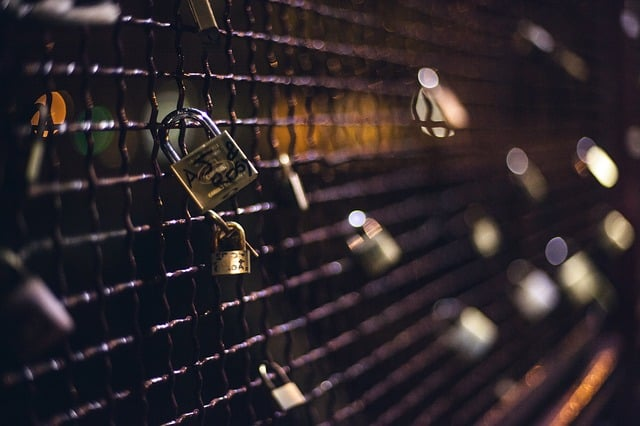 Tales of permanent love on impermanent padlocks.