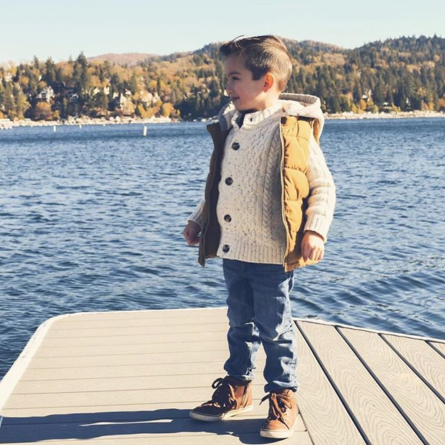 Christmas photos in Lake Arrowhead! 💕🏞✨ . . . #photography #family #fall #photoshoot #lake