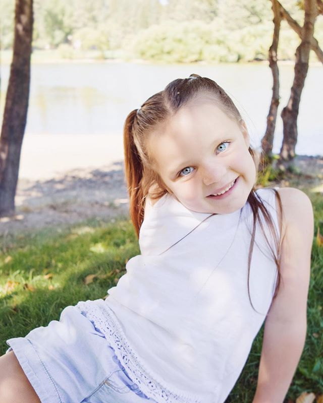Happy 6th birthday to this beauty! Such a sweet girl, and sweet friend to my boys! We wish you the happiest birthday! 💕✨🌸🍃 @katester__ . . . . . #birthday #photography #photoshoot #photographer #family #motherhood #adventure #mountains #lakearrowhead